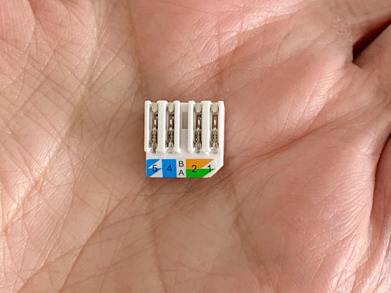 Farbanleitung - Herstellen eines RJ45-Kabels ohne Werkzeug